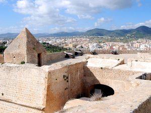 Das Bollwerk von Sant Jaume an der Ronda Calvi.