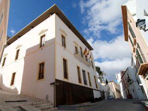 Can Botino ist heute das Bürgermeisteramt der Stadt, der Sitzungssaal und das historische Archiv