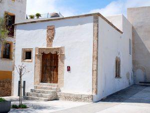 Das Haus der Kurie, der frühere Sitz der Justizverwaltung der Insel.