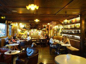 Das Café Mercat, ein Café des Viertels
