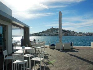Das Restaurant Calma liegt im Jachthafen Marina Ibiza