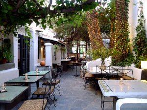Der Garten von La Brasa, eine grüne Oase in der Stadt
