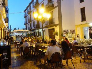 Die Terrasse des Restaurants San Telmo in dem Stadtviertel La Marina